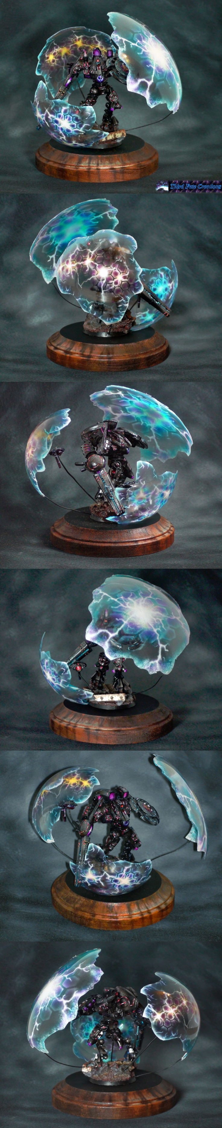 Awesome Tau battle suit with shield generator.