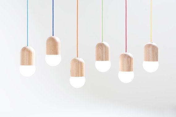 Lumière Bean est un luminaire en chêne russe