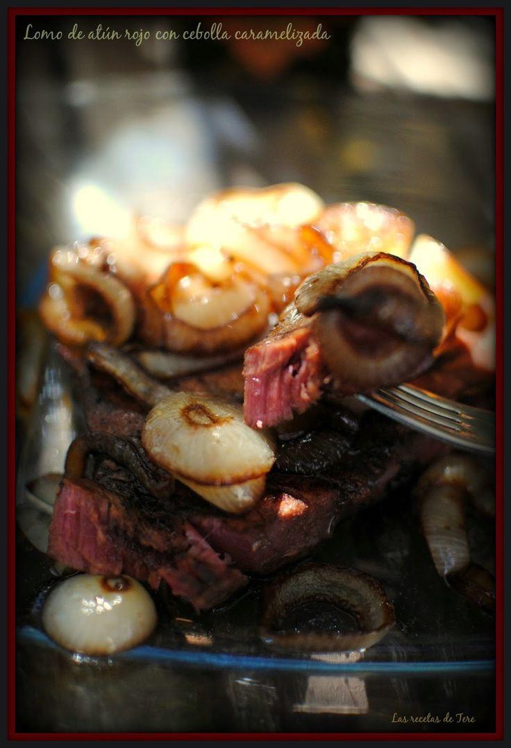 Lomo de atún rojo con cebolla caramelizada. :>Las recetas de Tere;;