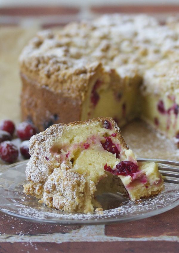 cranberry almond streusel coffee cake | a cup of mascarpone