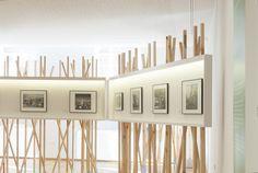 El Centro de Arte Fotográfico de Vigo, del Concello de Vigo, acogió una exposición del archivo Pacheco. Realizamos el diseño de los módulos expositivos, teniendo en cuenta las características de la sala. Para ello, pensamos en unos módulos que incluyesen iluminación de resalte y que tamizasen el espacio. La exposición se completó con el desarrollo…