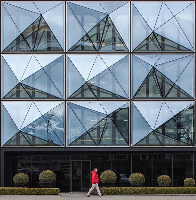 Headquarters of Channoine cosmetics in Vaduz, Liechtenstein. Design by Müller Architects, built 2008-2009. : @lerichti