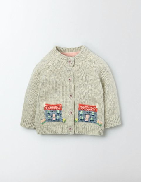 Our cardigan's soft cotton and merino wool blend is a recipe for a deliciously warm and comfortable baby. Sweet crochet details will enchant you even on the trickiest of mornings (third nappy change, anyone?). It's fully machine washable, so you can pretend that little accident never happened.