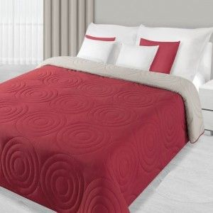 cerveny prehoz na postel