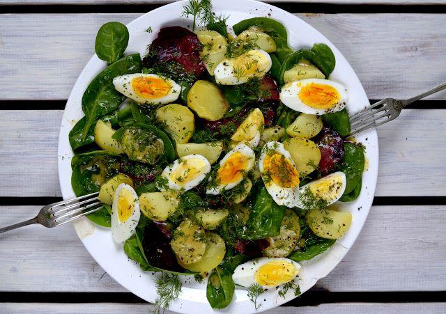 maja skorupska: sałata z jajkiem i koperkowym dressingiem, też na stół wielkanocny