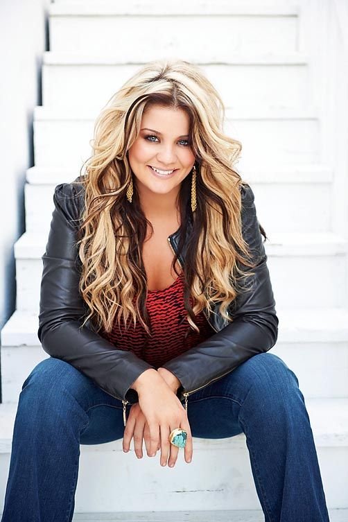 Lauren Alaina- love the colors placements in her hair