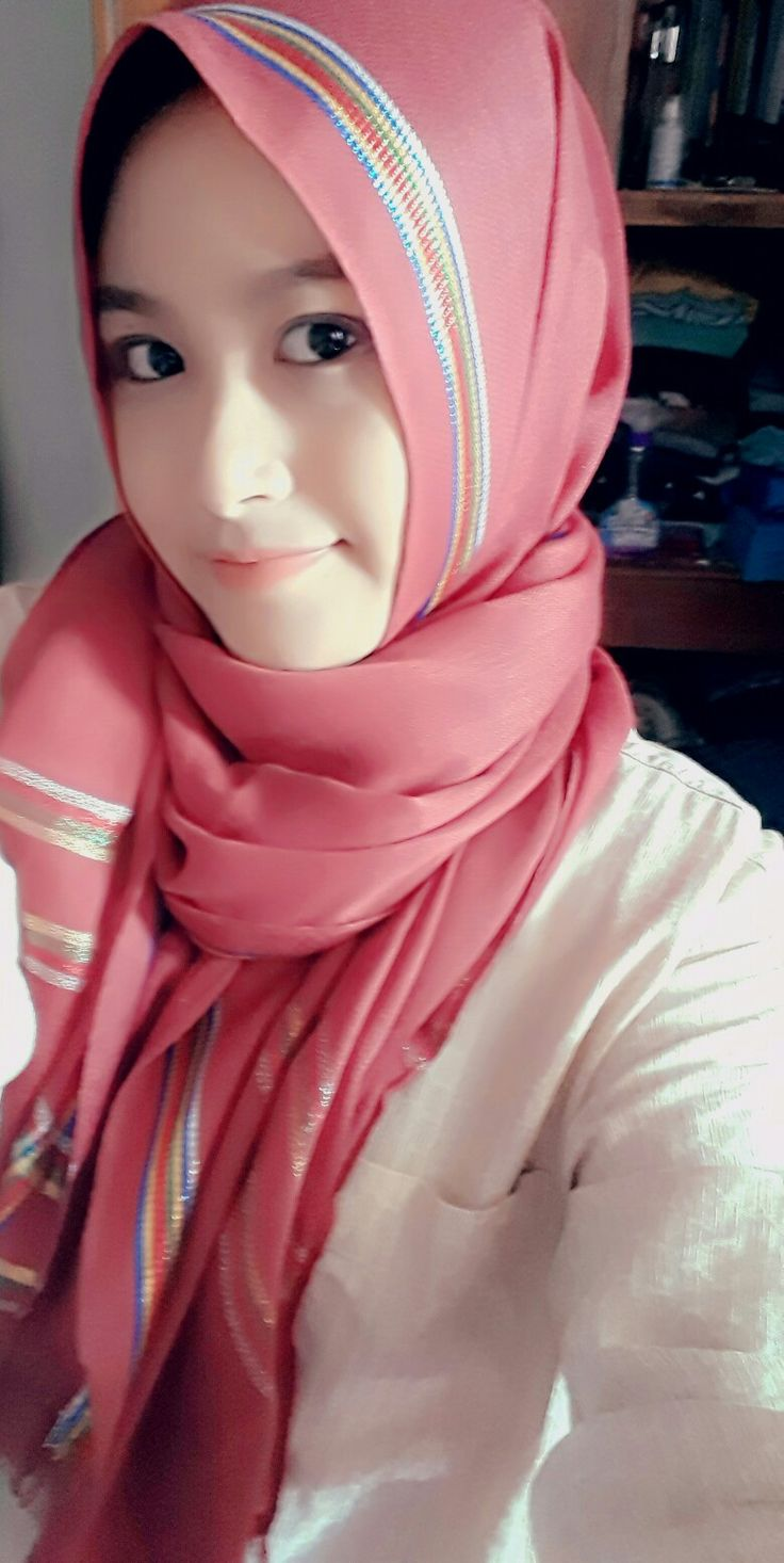 My daily hijab. Love red hijab ❤