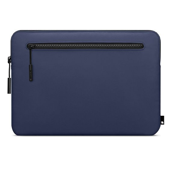 Incase 13″ Compact Sleeve in Flight Nylon for MacBook Air and MacBook Pro – Navy