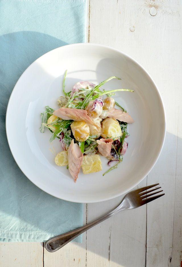 Makkelijke Maaltijd: Aardappelsalade met makreel - #healthy #food #salad http://www.efirstaid.com.au/