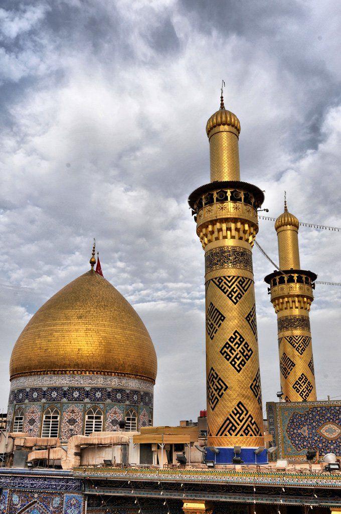 Al Abbas Mosque, in Karbala, Iraq / Mausoléu de Abbas ibn Ali, meio-irmão e porta-bandeira de Husayn ibn Ali na Batalha de Karbala, em 680 / A mesquita fica do lado da Imam Husayn Shrine – ver foto panorâmica