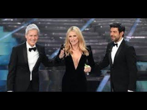 """Sanremo 2018, attimi di grande imbarazzo sul palco:una voce grida  """"Siet..."""