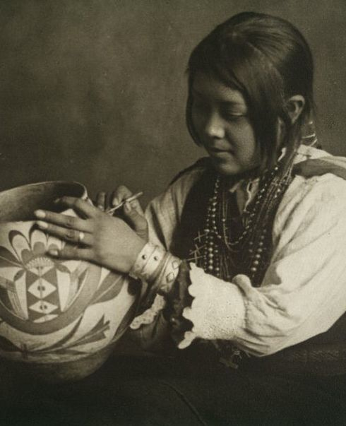 :::::::::: Antique Photograph ::::::::::  The Pottery Maker ~ Nampeyo. Circa 1910.
