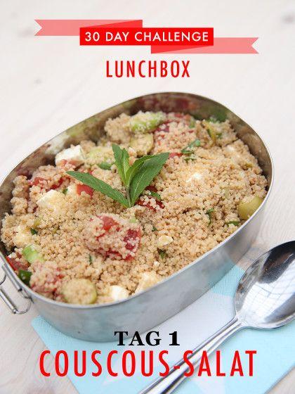 30 day challenge: Jeden Tag ein leckeres Mittagessen für die Büro-Lunchbox zubereiten. Heute: Couscous Salat mit Gemüse und frischer Minze.