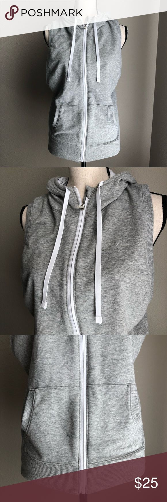 OLD NAVY Performance Vest with Hood in Small NWOT Size Small NWOT Excellent Condition Old Navy Tops Sweatshirts & Hoodies
