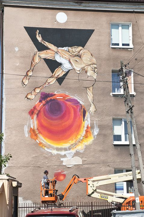 17 best images about street art on pinterest graffiti for Mural bialystok dziewczynka z konewka