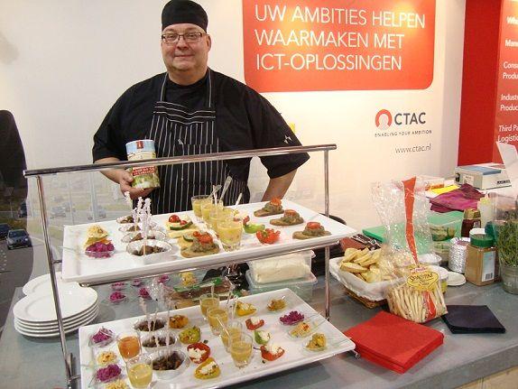 Chefkok inhuren Bv voor uw standcatering met vers bereide fingerfoods http://www.funenpartymatch.nl/beurscatering.php