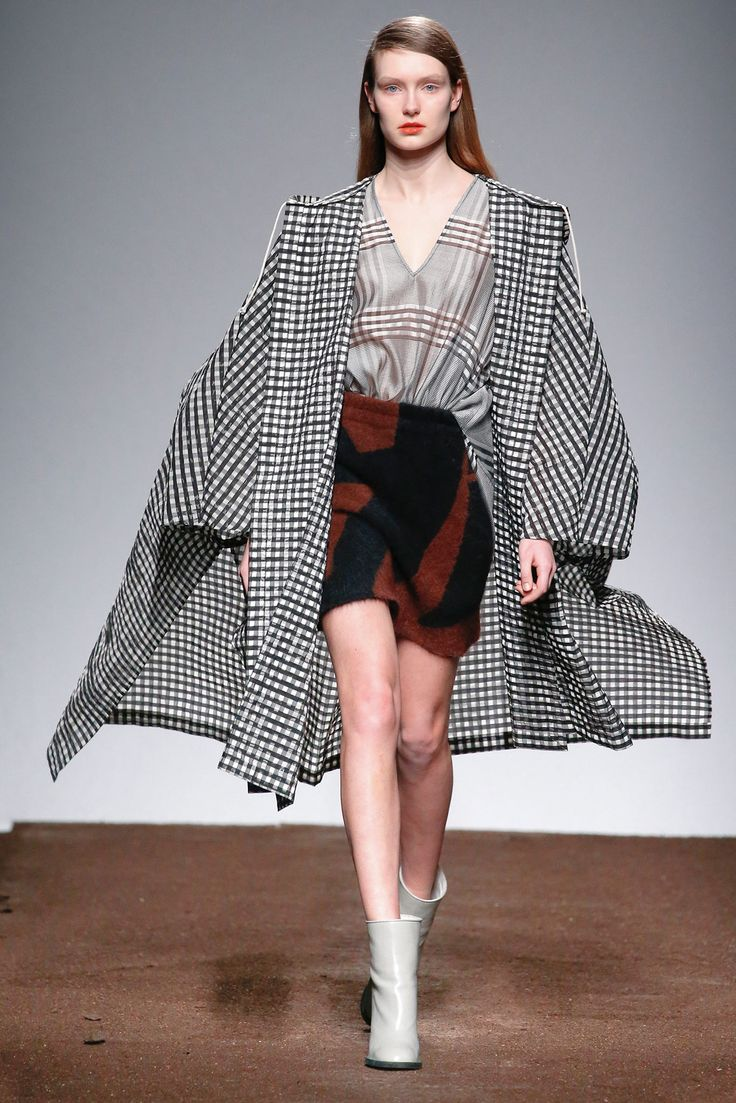 Christian Wijnants Fall 2015 Ready-to-Wear - Collection - Gallery - Style.com