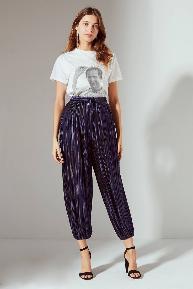 Shop UO Jerry Pleated Balloon Pant at Urban Outfitters today. We carry all the latest styles, colors and brands for you to choose from right here.