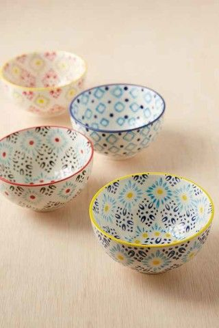 Grab yourself a snack. Or this cute Snack Bowls Set from Urban Outfitters.