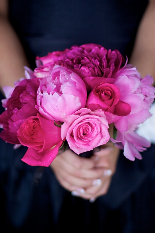 In LOVE! The colours, the flowers, the everything about this bouquet!!