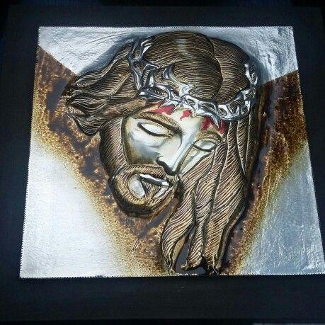 Repujado en aluminio rostro de  cristo