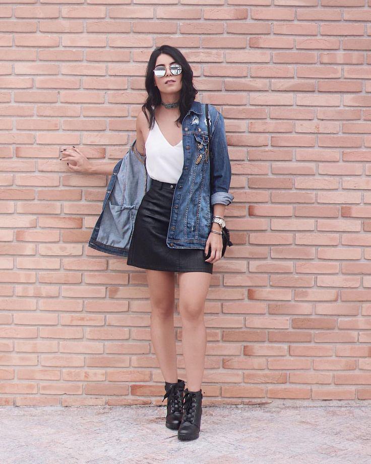 """7,659 curtidas, 122 comentários - Jessica (G) Flores (@jessicaflores) no Instagram: """"Amando usar jeans + couro! A combinação é a cara desse clima friozinho, né? Logo mais posto esse…"""""""