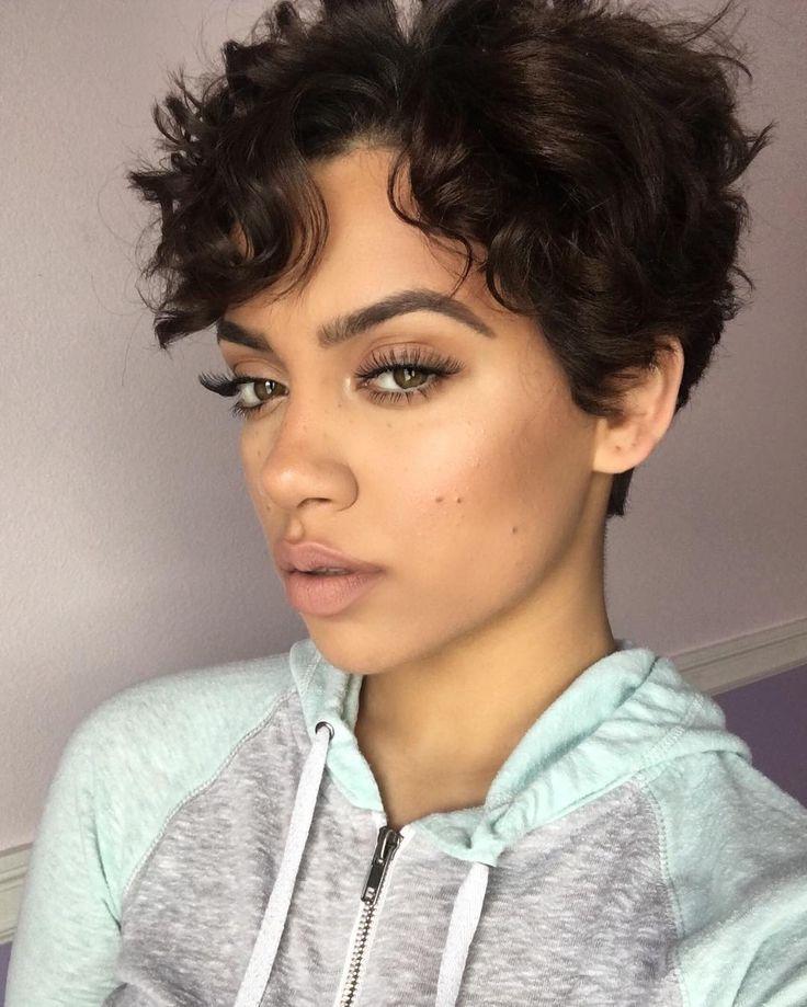 30 Wavy Short Hairstyles Instagram Hairstyles Ideas Walk The Falls