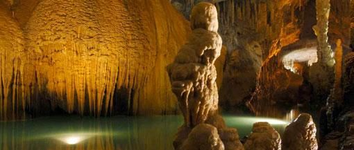 VISIT:: jeita-grotto crystalized limestone caves, most majestic and largest (9000 m) in the world!