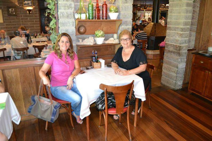 Restaurante Di Paolo Galetos e Grelhados Com minha amiga Marilene Valduga