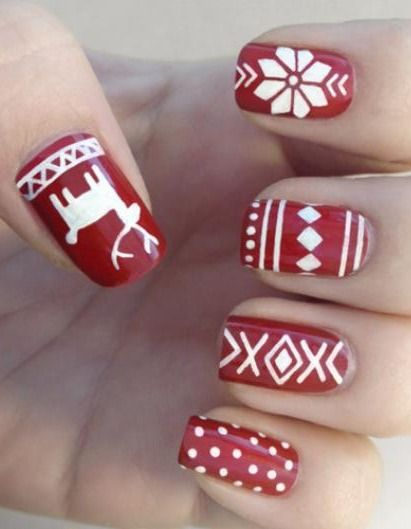The nails took a note from our favorite winter sweater.