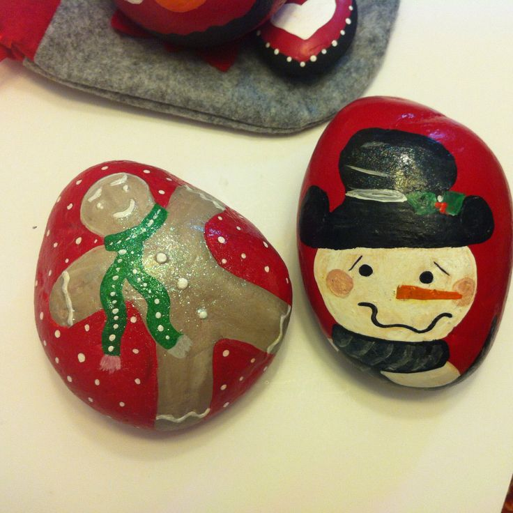 Christmas painted rocks painted rocks by me pinterest for River rock craft ideas