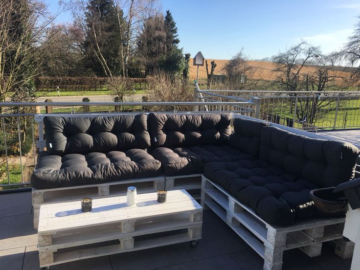 Lounge-Sitzecke aus Paletten – LoftChic