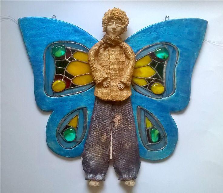 Ceramic butterfly man with stained glass wings keramický motýlak s tiffany křídly