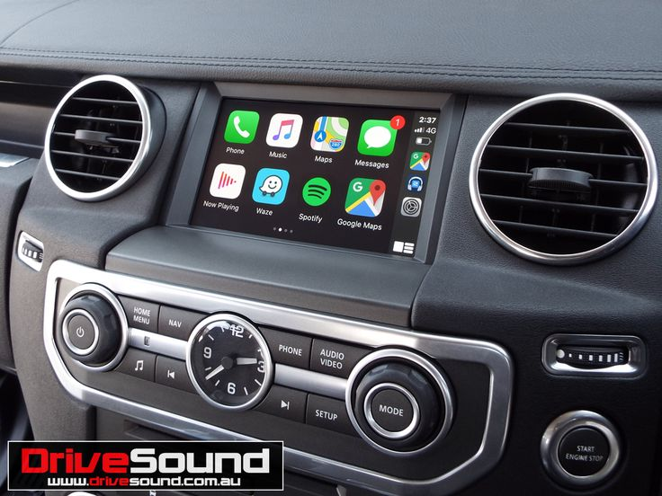 Land Rover Discovery LR4 with Wireless Apple CarPlay
