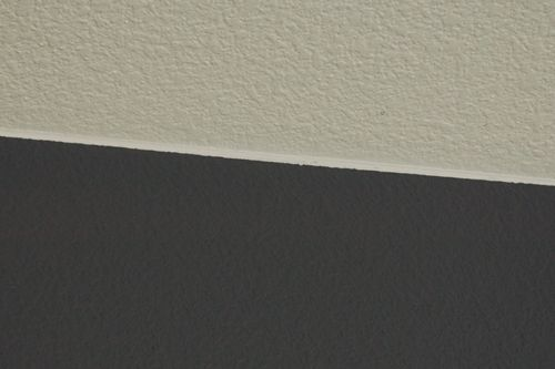 How to paint the perfect ceiling line!...Caulk and paint...make it what it ain't !!!