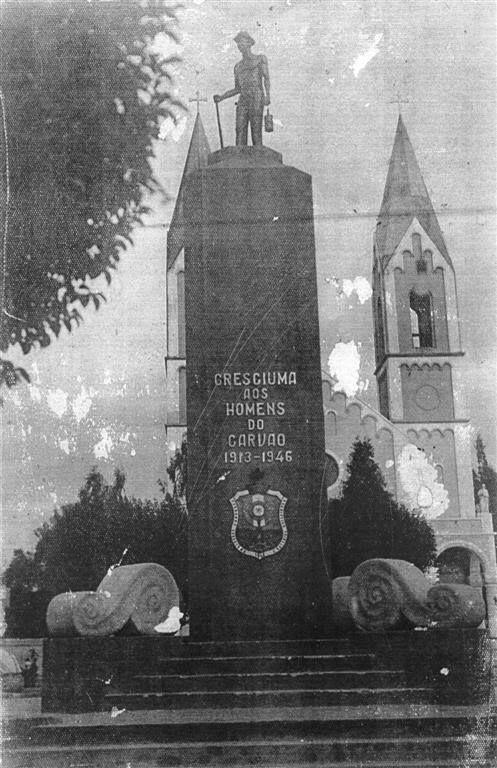 Monumento aos corajosos mineiros do carvao em Criciuma SC Brasil