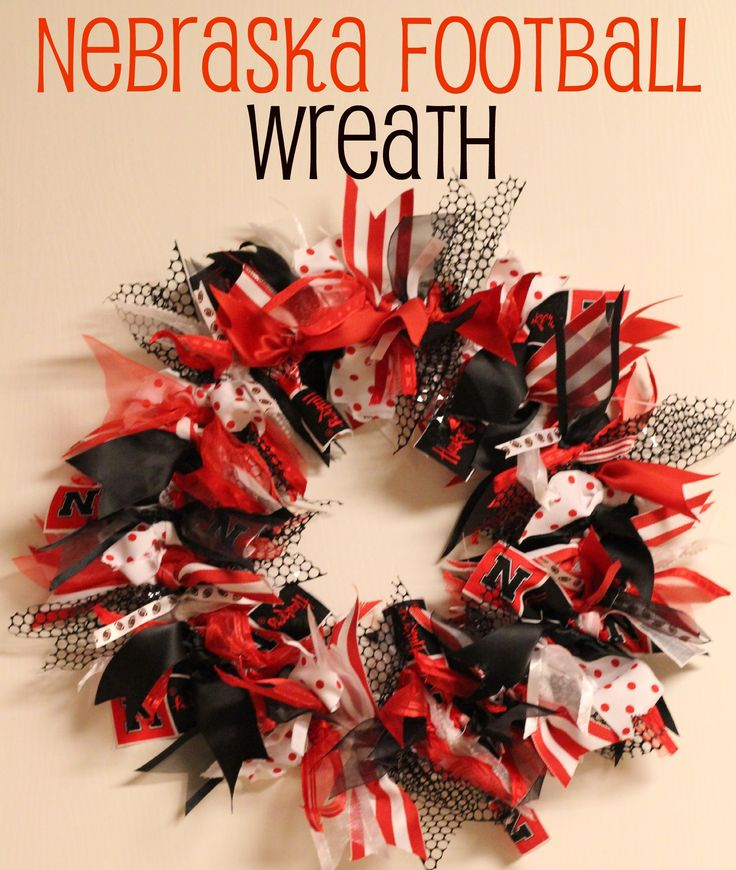 College Football Saturday Tailgate: Football Wreath {Huskers Style}
