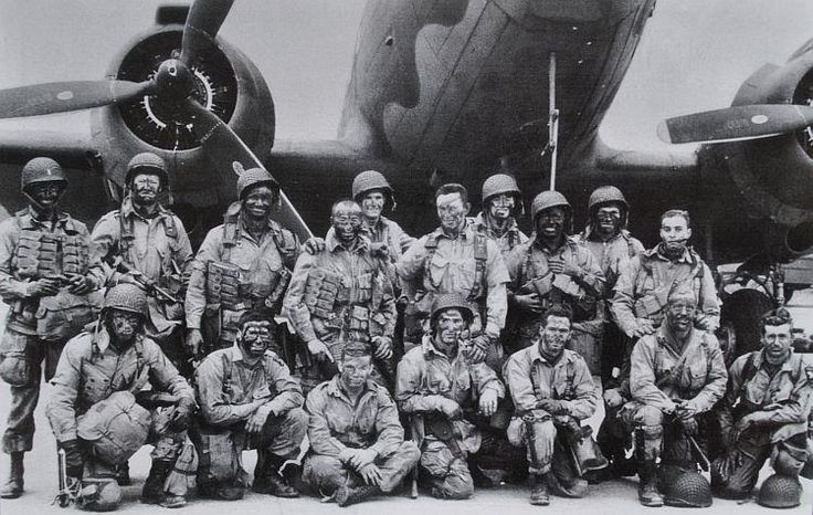 101st Airborne Forward Observer: Easy Company/101'-506 Images