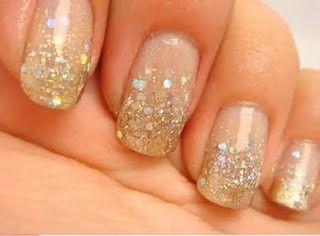 glitter gradient nails (seen by @Jilliantym234 )