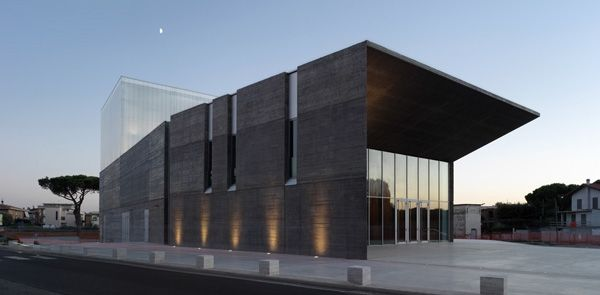 Architettura di monumentalità funzionale ed urbana, Teatro Polivalente a Montalto di Castro