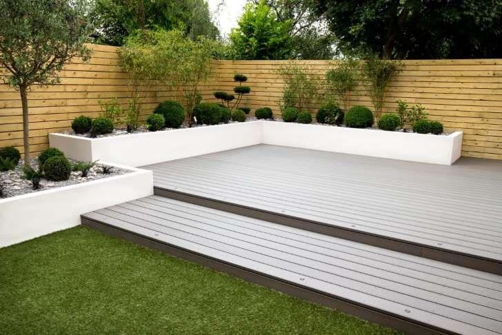 homify / J B Landscapes LTD: minimalistischer Garten von J B Landscapes LTD
