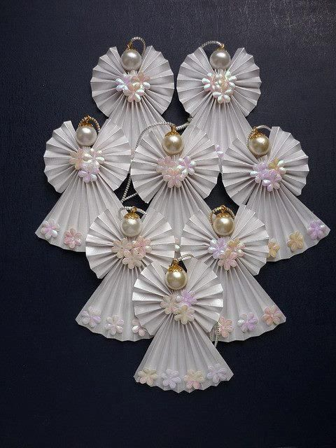 Anjos de papel na decoração natalina                                                                                                                                                     Mais