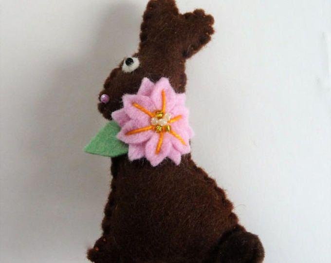 Broche conejito de Pascua de chocolate, Chocolate Pascua conejo Pin, Pin de conejito de Chocolate, Chocolate conejo, pasador de fieltro conejito, conejo fieltro broche