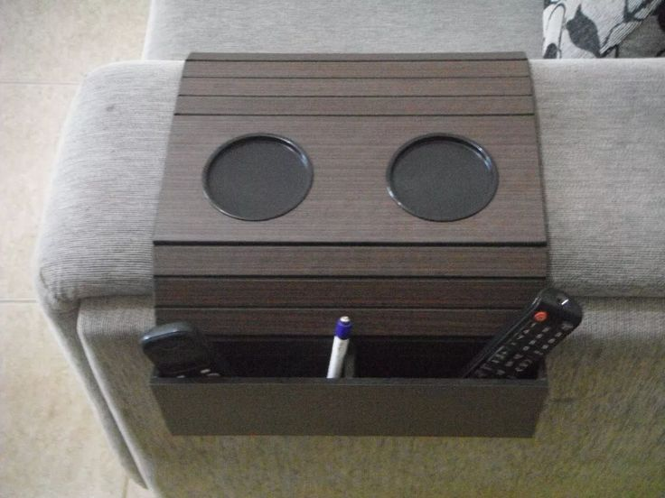 bandeja porta copos e e porta controle para sofa em madeira.