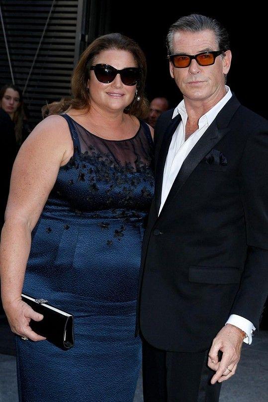 Pierce Brosnan manželku poznal v roce 1994.