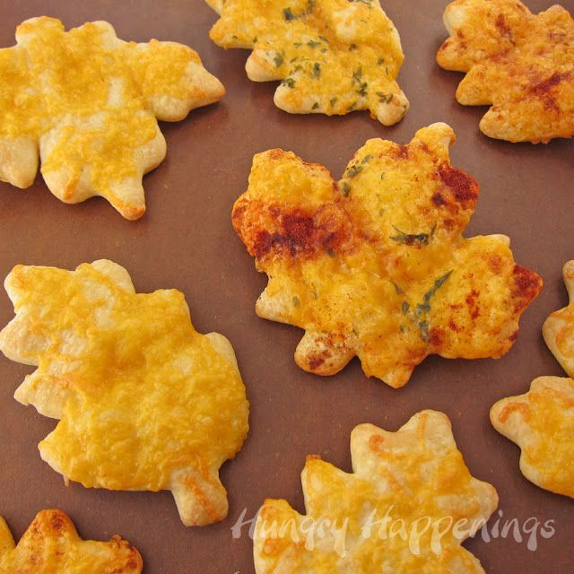 Hungry Happenings: Cheesy Crescent Roll Leaves for your Thanksgiving bread basket