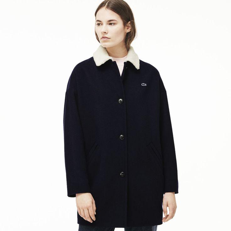 Une ligne classique pour ce manteau en laine mélangée Lacoste Live orné d'un col contrasté façon peau retournée. Un modèle boutonné, parfait les jours de semaine.
