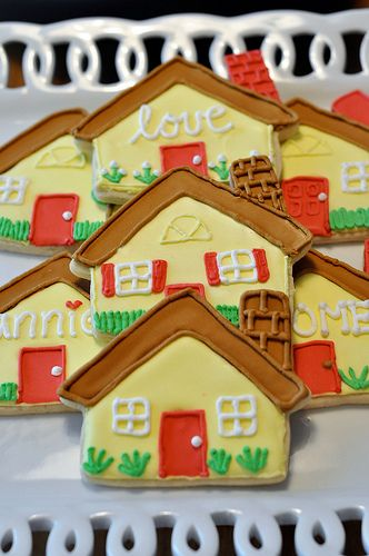 377 best Gingerbread House Cookies images on Pinterest | Gingerbread ...