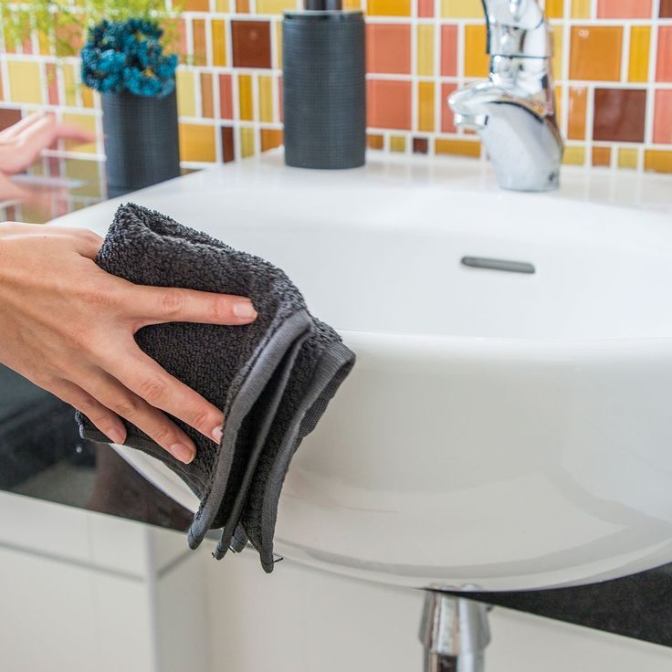 How To Clean with Bleach In a Bathroom Cleaning with