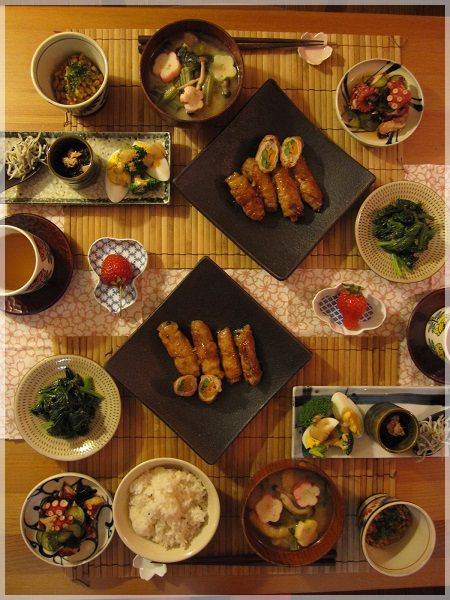 Japanese Style Plate Collection. #japan #japanese #craft //Manbo